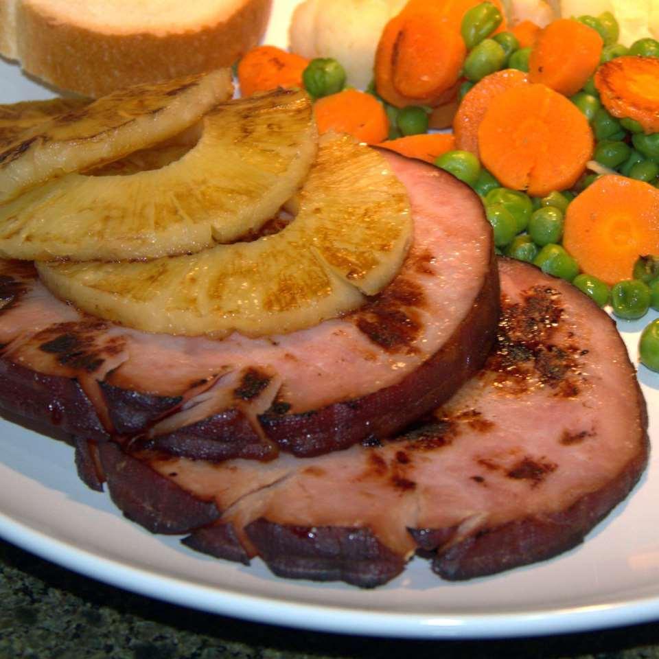 Ham Steaks (6) & Pineapple Slices 450gr