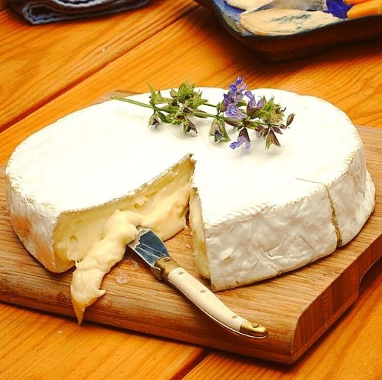 Brie cheese 1kg
